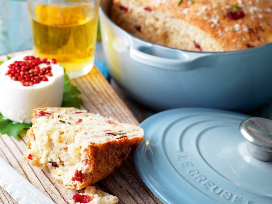 rs1015_coastal_blue_lifestyle_-_cranberry_rosemary_and_salt_bread_1